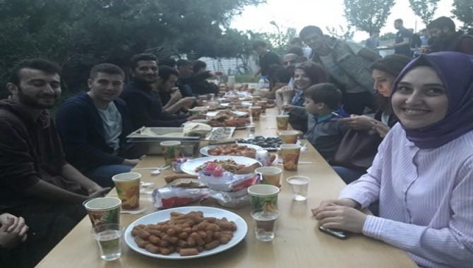 Bu Sefer Hocalar Pişirdi Öğrenciler ve Misafirler Yedi