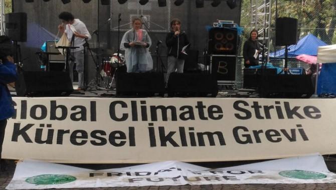 İklim aktivistleri 28 Ağustos'ta Amozonlar Için greve çıkıyor