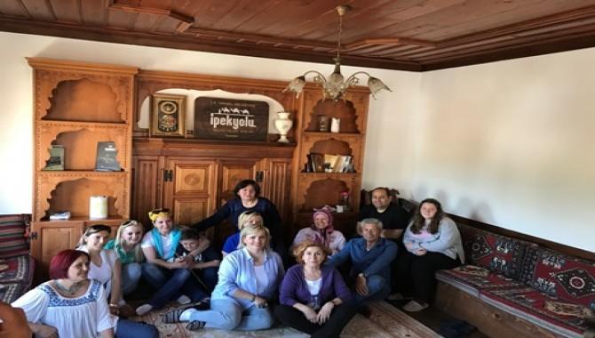 """""""SARAYLI-ÖRCÜN Tarih Koridorunda Doğal Yaşam'' Projesi Taraklı-Göynük Uygulama Gezisi Gerçekleşti"""