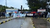 Foça'da Yağmur Altında Cüruf Eylemi