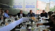 Karamürsel Belediye Başkanı Yıldırım Muhtarlar Günü'nü Kutladı